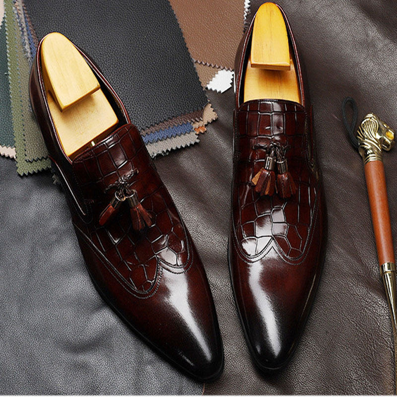 Tassels Crocodile Pattern Formal Business Shoes Luxury Slip On Pointed Toe Dress Shoes Genuine Leather Wedding Shoes For Men F17