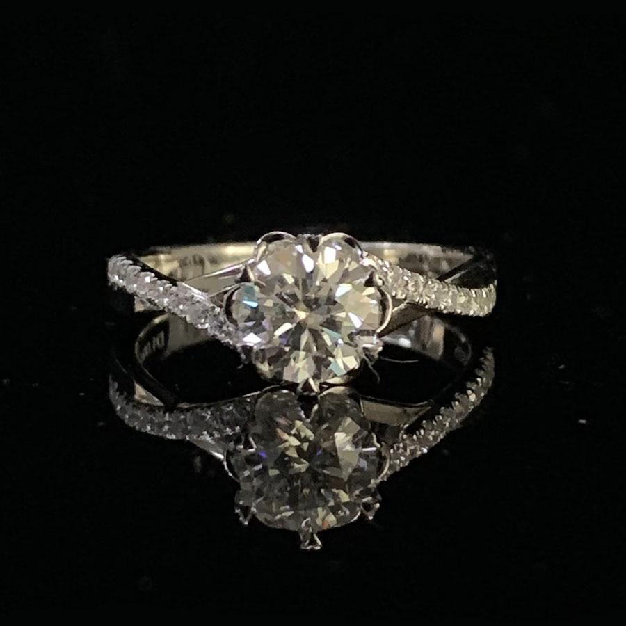 Bague en argent plaqué or blanc 1ct Moissanite bague en forme de fleur romantique bague en diamant de laboratoire d'anniversaire à la mode pour les femmes