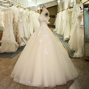 Image 3 - SL 5024 New Arrival Off The Shoulder Bridal Gown Tulle Lace Appliques Vintage Ball Gown Wedding Dress 2020