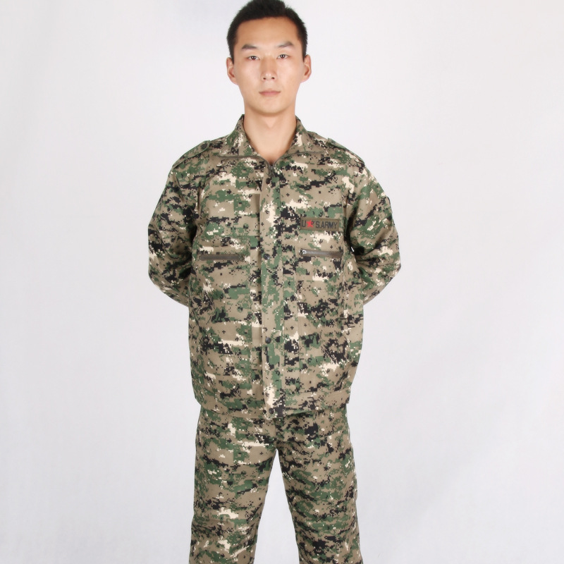 Factory Price A Large Amount Supply Twill Green Electronic Camouflage Suit Work Clothes Green Digital Camouflage Work Clothes