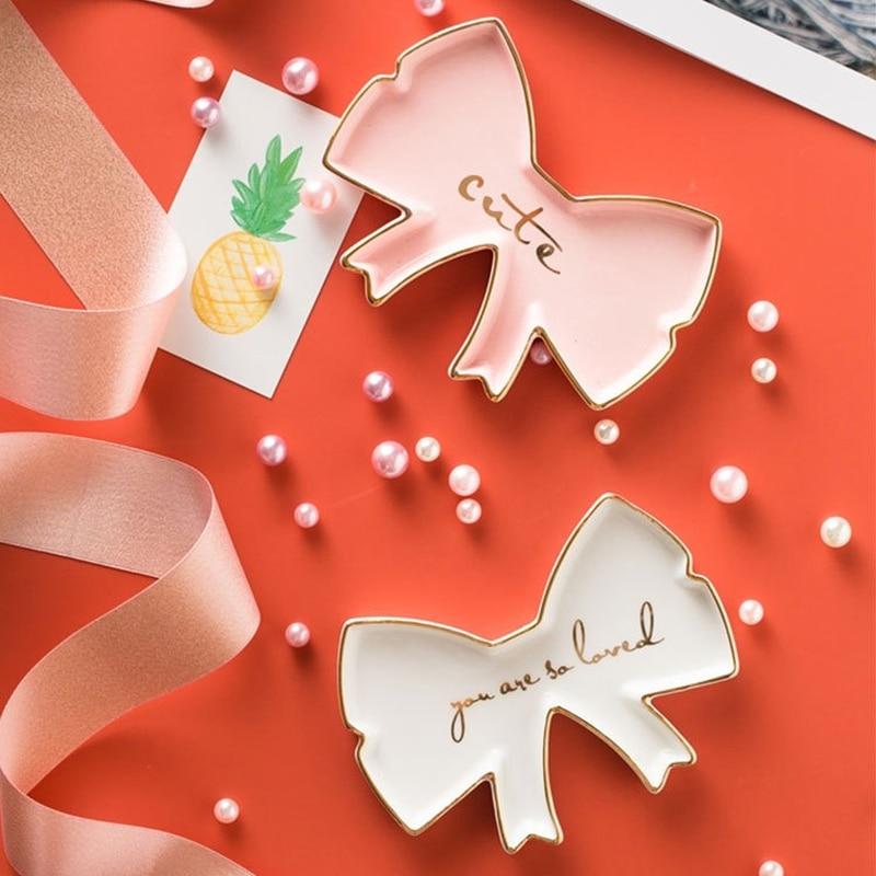 Artistico di Ceramica Piatti Artigianato Gioielli Vassoi Anelli Snack Candy star Ali di Angelo Torre Piatto di Stoccaggio Ciotole Bianche Decorazione di Cerimonia Nuziale