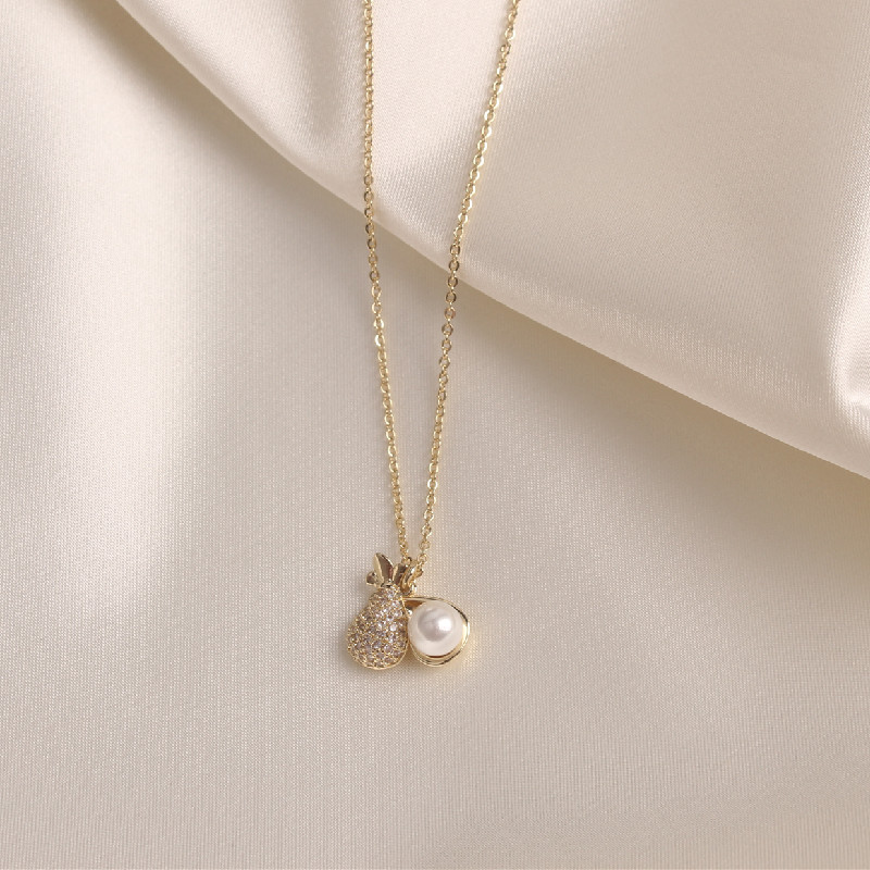 new design fashion jewelry Creativity copper inlaid zircon fine exquisite small pineapple pendant white pearl female necklace