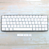 87 White Cherry Profile Keycaps Dye Sub Purple Font Color PBT Keycap For Mechanical Keyboard Gh60 Xd60 Xd84 Tada68 87 96 104 (2)