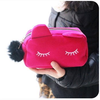 Winter Cosmetic Bag Fashion Portable Cartoon Cat Coin Storage Case Travel Makeup Flannel Pouch Cosmetic Bag Cases For Women Girl novelty girl 2015 brand new fashion cartoon cute cat face zipper case coin case purse wallet makeup buggy bag pouch