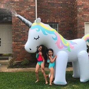 Image 3 - Al aire libre gigante unicornio aspersor juguetes de piscina para jardín de césped accesorios de fotografía de boda para niños adultos