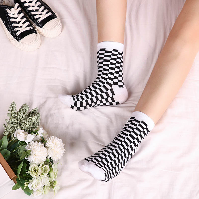Korea Funky Harajuku Trend Women Checkerboard Socks Geometric Checkered Men Unisex Hip Hop Cotton Streetwear Novelty Sock