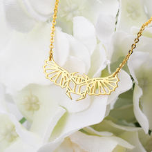 Fashion Butterfly Necklace Popular Insect Jewelry Pendant Unique Animal Moth collares Gold Party Gift