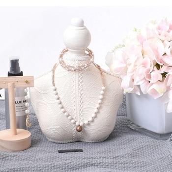 Maniquí de madera Vintage de encaje blanco, marco de joyería, colgante de collar, brazalete, soporte de joyería, soporte de pecho