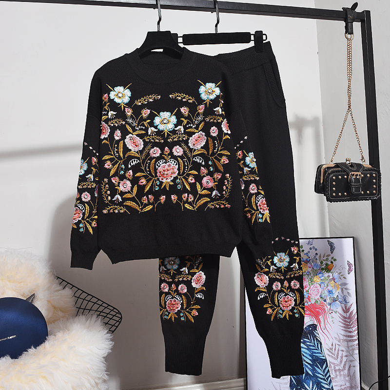 Autumn Winter clothes women 2020 New Fashion Embroidery Flower Long sleeve Knitted Sweater + Small feet Pants 2 Piece Set Women