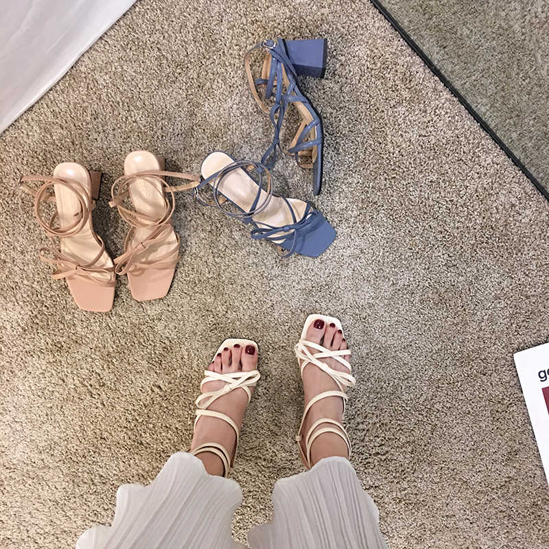 Frauen Schuhe Sandalen 2020 Sommer Neue Stil Band Bogen Quadratischen Kopf Starke Ferse Quer Spitze Up Kappe High Heels