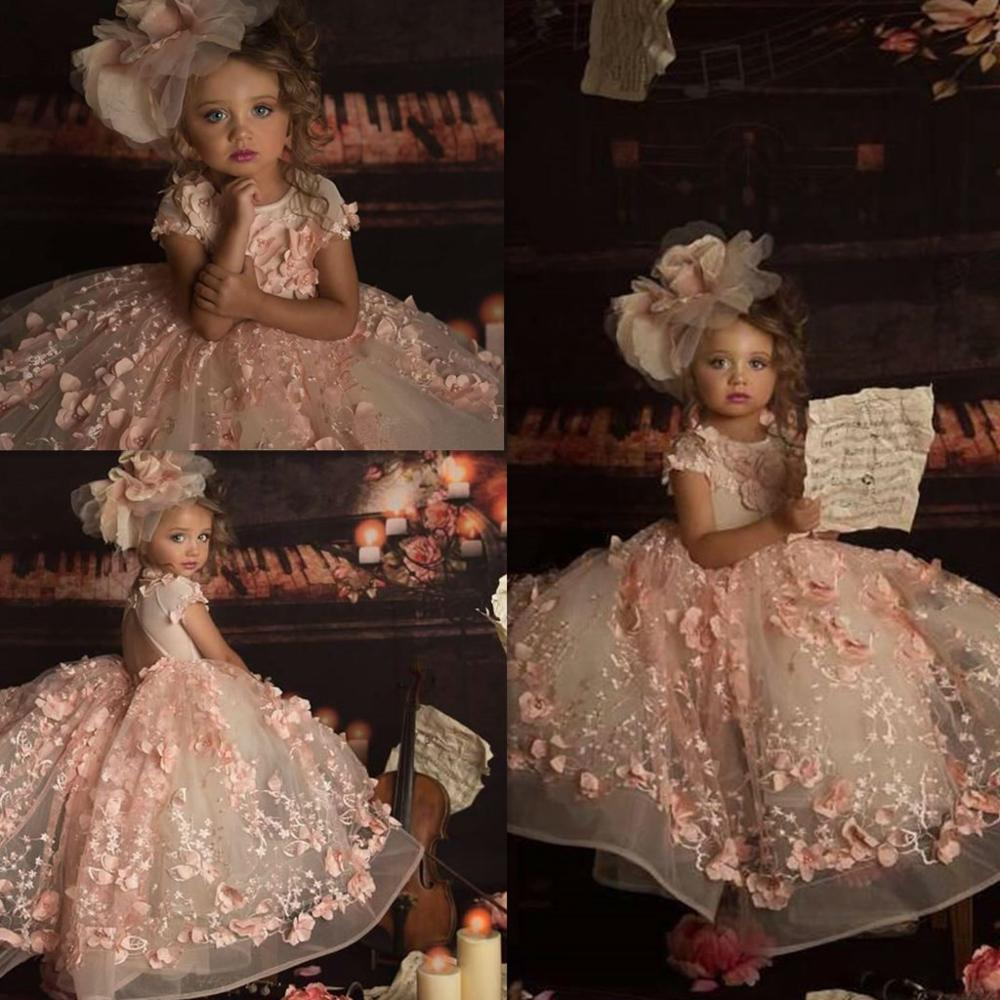 Petal Power Pink Girls Pagenat Dresses Princess Crew Neck 3D Lace Appliques Cap Sleeve Long Formal Flower Girl Dresses