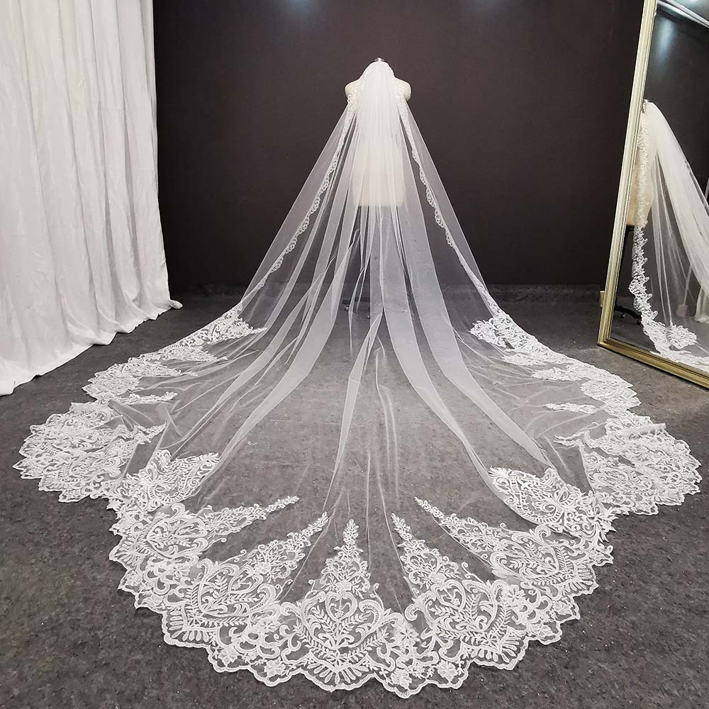 Real Photos Luxury Long Lace Bridal Veil High end Retro Wedding Veil with Comb 3.5 Meters Bride Veil Wedding Accessories