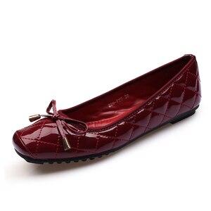 Image 2 - Yeni varış Patent deri düz kadın bale daireler ayakkabı kadın artı boyutu 41 siyah kare ayak papyon konfor ayakkabı siyah bayan için