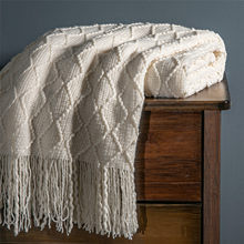 Warm Soild Color/Geometric Knitted Portable Blanket Bedspread Woolen Acrylic Lattice Home Blanket With Tassels For Spring Autumn