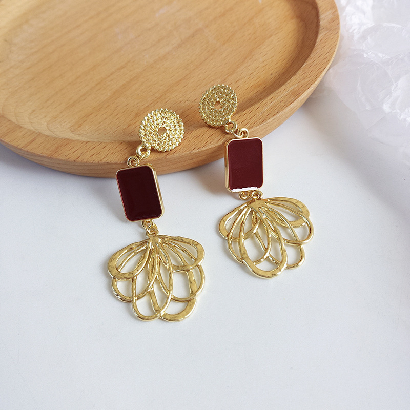 S925 Needle Exaggerated Wine Square Drop Earrings Golden Plated Metal Flower Dangle Earrings Retro Jewelry Women Gifts Party