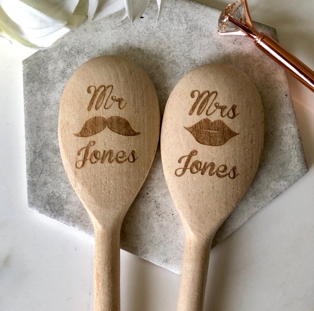 Personalised Mr & Mrs engraved name Wooden Spoon Wedding Wood Spoon wedding favors gifts