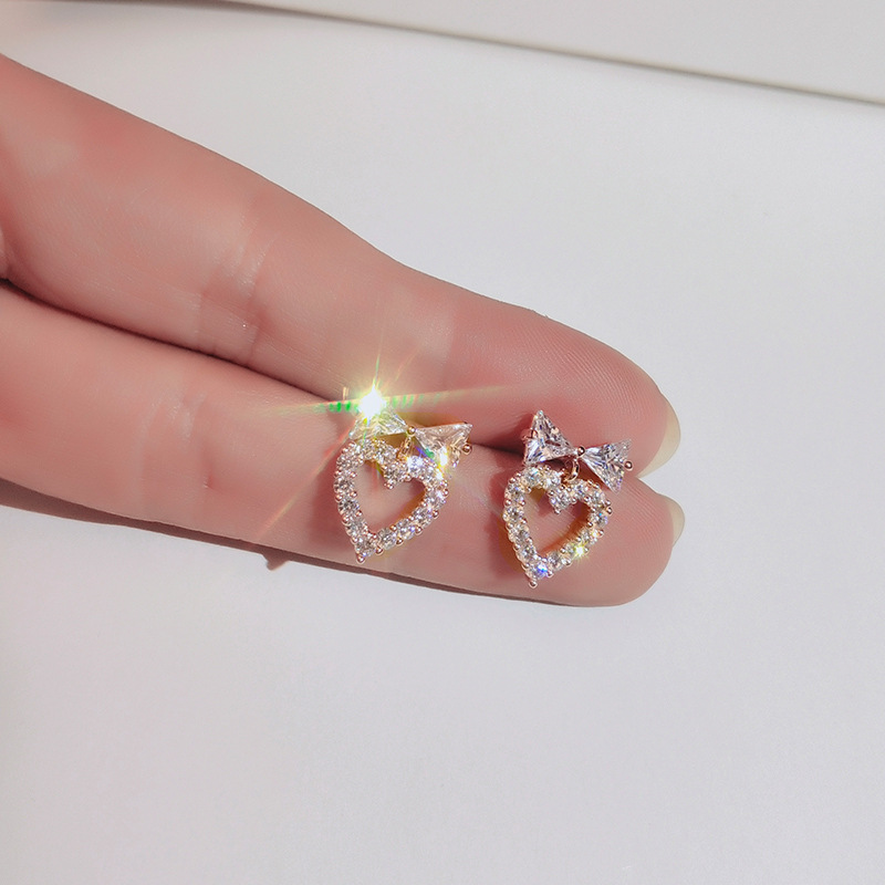 Hot sale Bow heart earrings 925 Silver emininity Korean personality wild earrings for Lady wedding party Earring wholesale