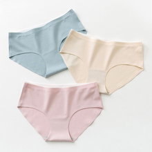 цена на Roseheart Spring Women Fashion Green Cotton Mid Waist Panties Underwear Lingerie One-Piece Seamless Briefs Underpants M L XL