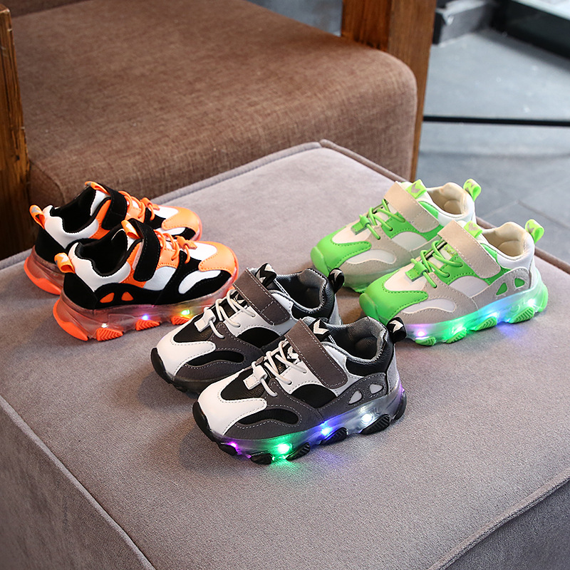 2019 nouvelles baskets lumineuses pour enfants garçons chaussures avec semelle Enfant lumière LED baskets lumineuses pour filles chaussures enfants chaussures LED