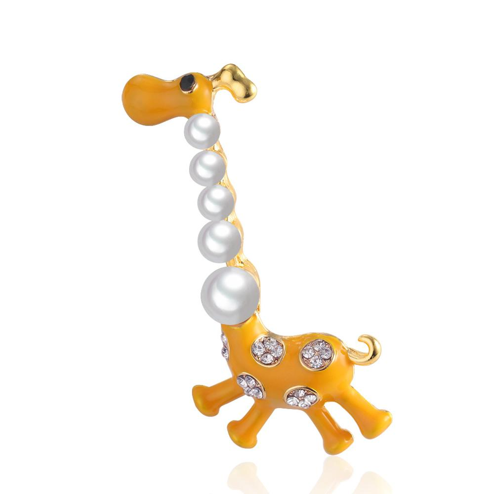 Fashion and personality giraffe cartoon brooch, fashion alloy with corsage, pins, joker garment accessories