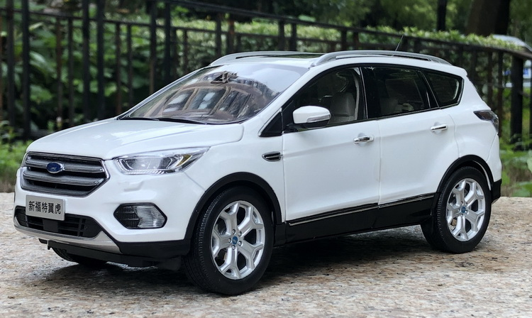 1:18 Diecast Model For Ford Kuga Escape 2017 White SUV Alloy Toy Car Miniature Collection Gifts Hot Selling