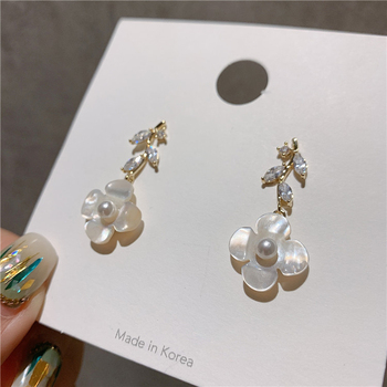 White flowers holiday style petal flower earrings exaggerated personality earrings exquisite elegant Fashion Stud Earrings exquisite elegant style rhinestone embellished square shape women s stud earrings