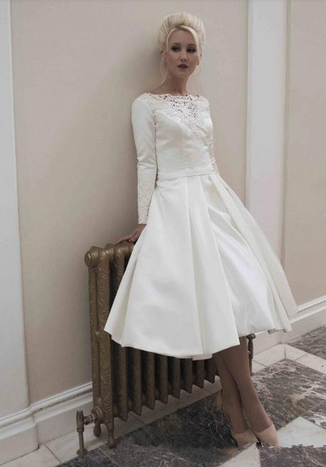 A-line Simple Short Cheap Bridal Gown With Long Sleeve Mid-calf Lace Appliques Custom Prom Party Mother Of The Bride Dresses