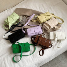2021 Cassette Weave PU Waist Flap Bag Women New Design Fashion Shoulder Bag PU Leather Chest Bag Ladies Belt Phone Bag