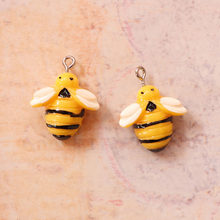 5PCS Resin Little bee Charms Jewelry Necklace Pendant Keychain Charms For Earring DIY Bracelet Decorations Jewelry Accessory(China)