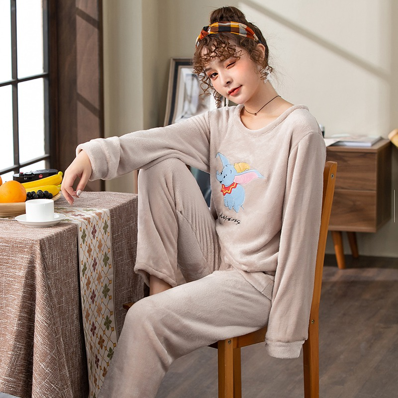 2019 Winter Thick Warm Flannel Cute Cartoon Pajama Sets for Women Long Sleeve Coral Velvet Sleepwear Suit Homewear Home Clothes 42