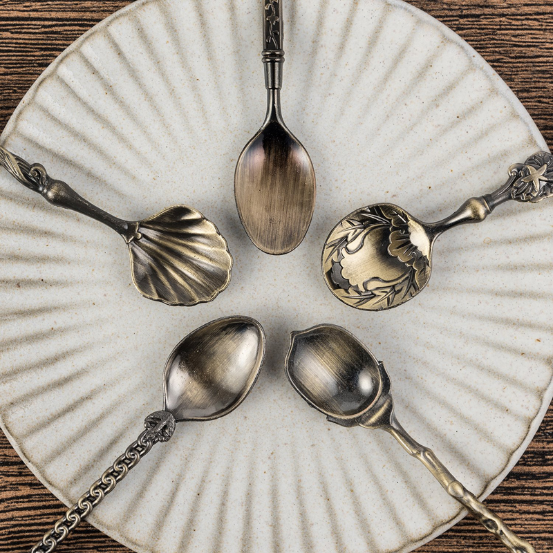 5 Dinner Plates with Minature Flatware Cutlery Large 29mm Antique Bronze Tone P1621