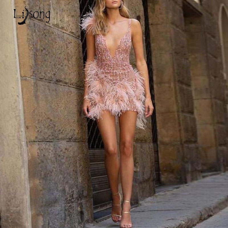 Luxury Sexy Beaded Mini Cocktail Dresses Deep V-neck Feather Crystal Short Formal Party Dress Robe Cocktail
