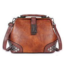 2019 large capacity Fashionable Women Handbags Woman PU Leather Vintage shoulder bag hasp Tote with Chain Rivets girl sling bags