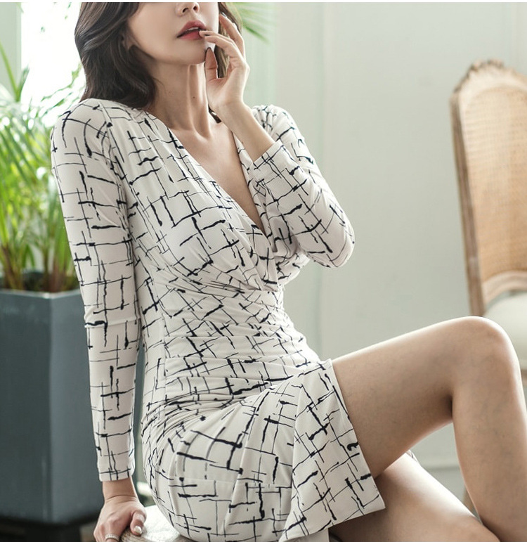 2019 New Style Debutante Fashion Ol Young Sexy V neck Long Sleeve Slim Fit Slit Base Floral Printed Dress