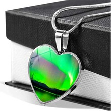 Northern Lights Heart Pendant Necklace Women Jewelry Green Aurora Borealis Glass Photo Cabochon Necklace Christmas Gift