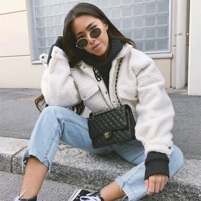Warm and Cropped Wool Jacket for Women