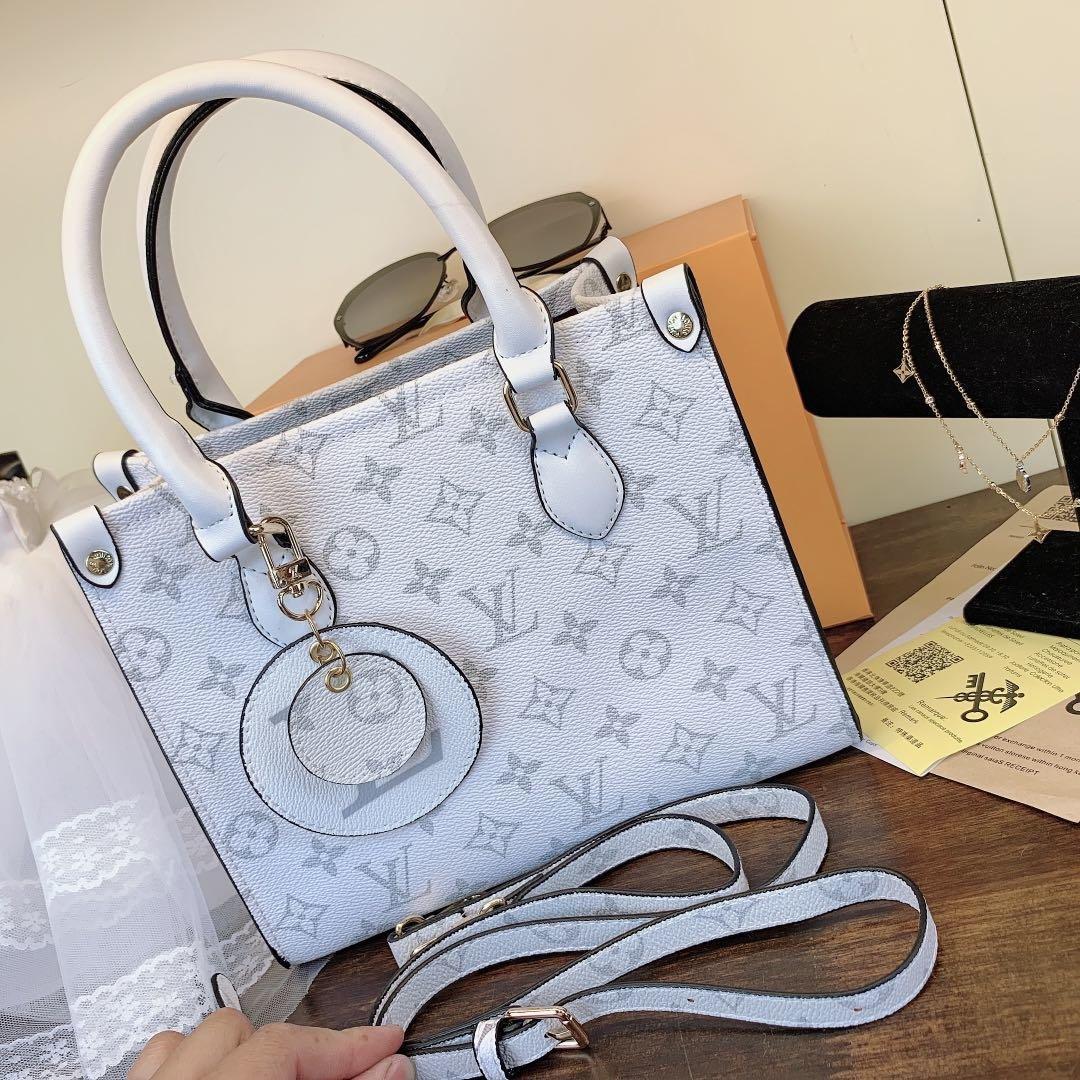 2020 Luxury Female Designer Shoulder Bag Leisure Tote For Lady Shoulder Bag 2001
