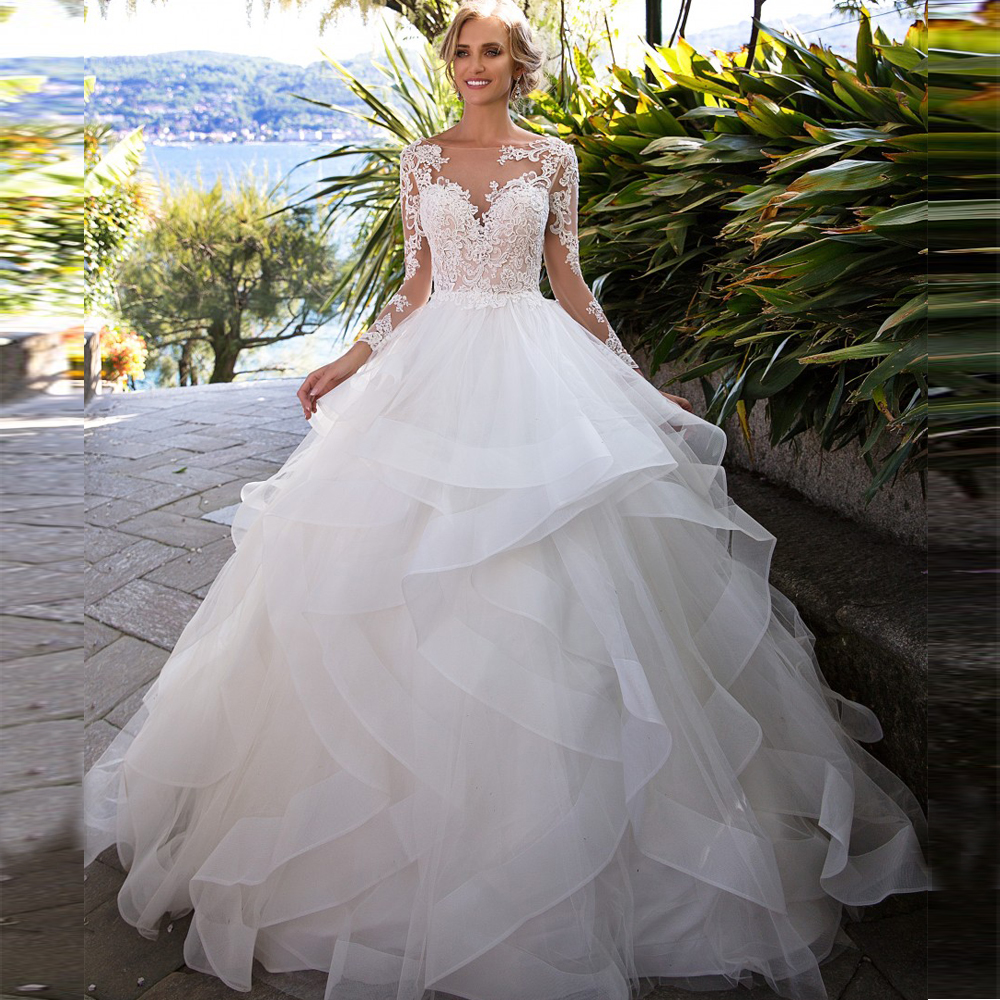 Vintage Ball Gown Wedding Dresses Princess 2019 Long Sleeve Backless Appliques Lace Tulle Tiered Skirt Bridal Wedding Gowns