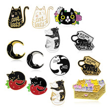 Hitam dan Putih Kucing Bros Peti Mati Bulan Strawberry Pizza Kelompok Garis Kotak Kucing Koleksi Kucing Tn. Wanita Kucing Enamel Pin lencana Hadiah(China)