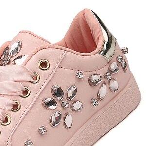Image 5 - Zapatillas de deporte de moda para mujer, zapatos planos con diamantes de imitación, informales, suaves, de marca, rosa, negro, blanco, ZH2656, 2020
