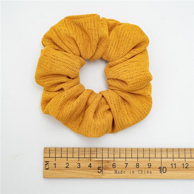 Фото аксессуары для волос резинки однотонные осенне зимние мягкие цена