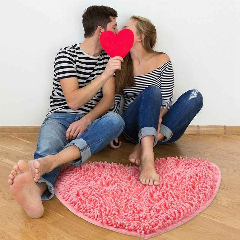 Valentine's Day Heart Shaped Rug Love Floor Mat Heart Shag Shower Mat Non-Slip for Home Living Room Sofa Bathroom Floor