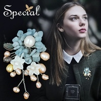Special Brand Fashion Natural Pearls Brooches Pins for Dresses Flower Brooches Wedding Bouquet Jewelry Gifts for Women S1607B