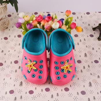 2020 nowe dziecięce sandały dziecięce letnie buty ogrodowe dziewczęce chłopięce buty na plażę cukierkowe kolorowe dziecięce buty zatykają miękkie dziecięce buty EVA tanie i dobre opinie CN (pochodzenie) Lato Unisex 3-6y 7-12y 12 + y Płaskie z Klapki Dobrze pasuje do rozmiaru wybierz swój normalny rozmiar