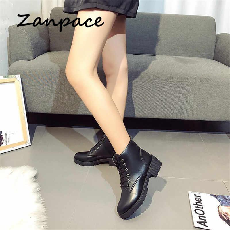 Mùa Đông 2019 Ủng Da Cá Nữ Med Giày Mùa Đông Buộc Dây Xe Máy Giày Bốt Nữ Cổ Ngắn Zapatos de Mujer