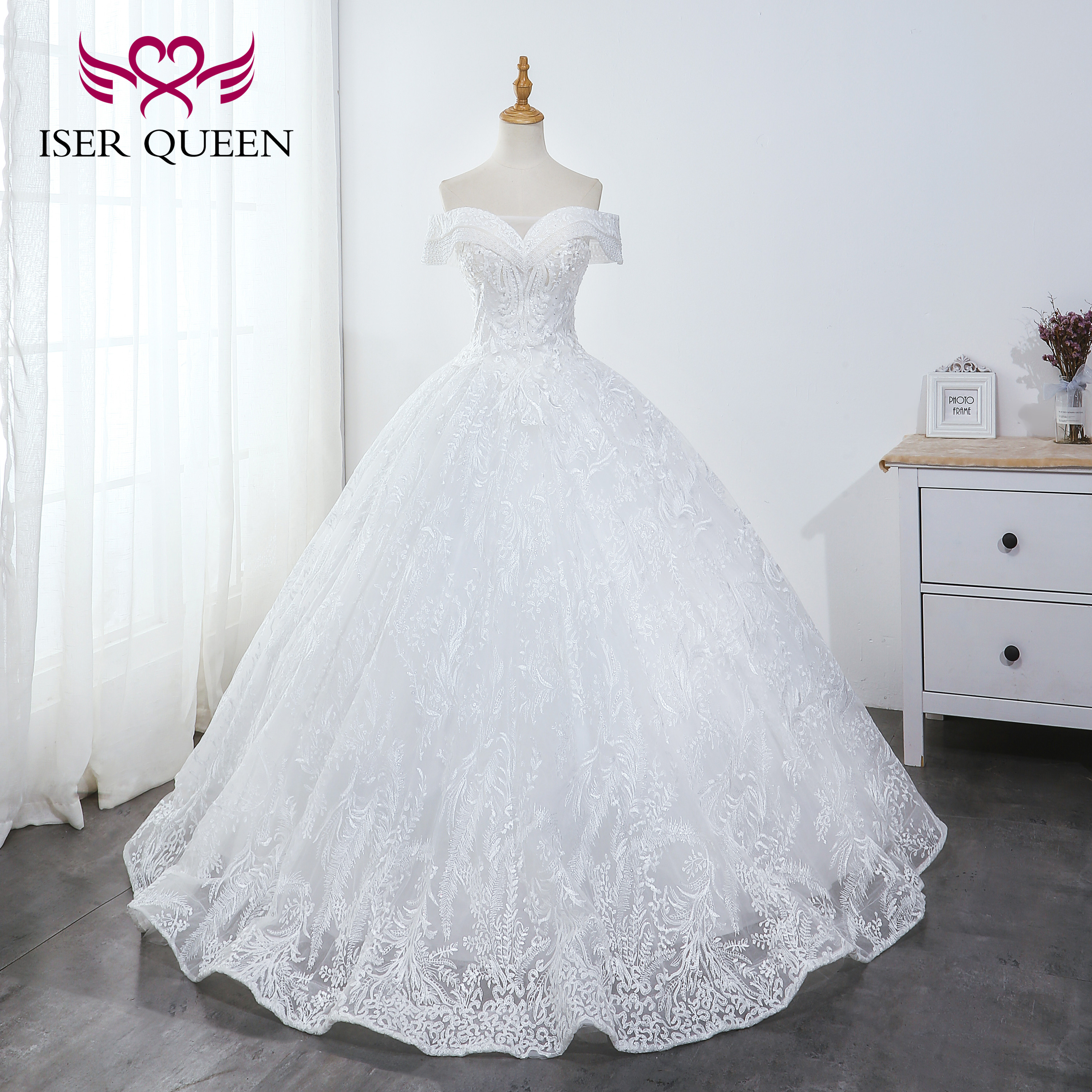 Cap Sleeves Beading Sequined Pearls Ball Gown Wedding Dresses Princess Stylish Lace Up Pure White Vestido De Novia 2019 WX0043