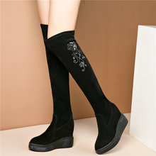 купить Women Black Genuine Leather Platform Wedge Over The Knee High Boots Pointed Toe High Heel Platform Pumps Shoes Winter Sneakers дешево