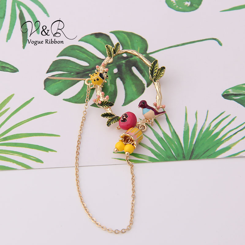 Cute Enamel Tree Leaf Ladybug Bird Nest Dangling Chain Brooch Pin For Women Cute Christmas Brooch 2019 New Jewelry Accessories (5)