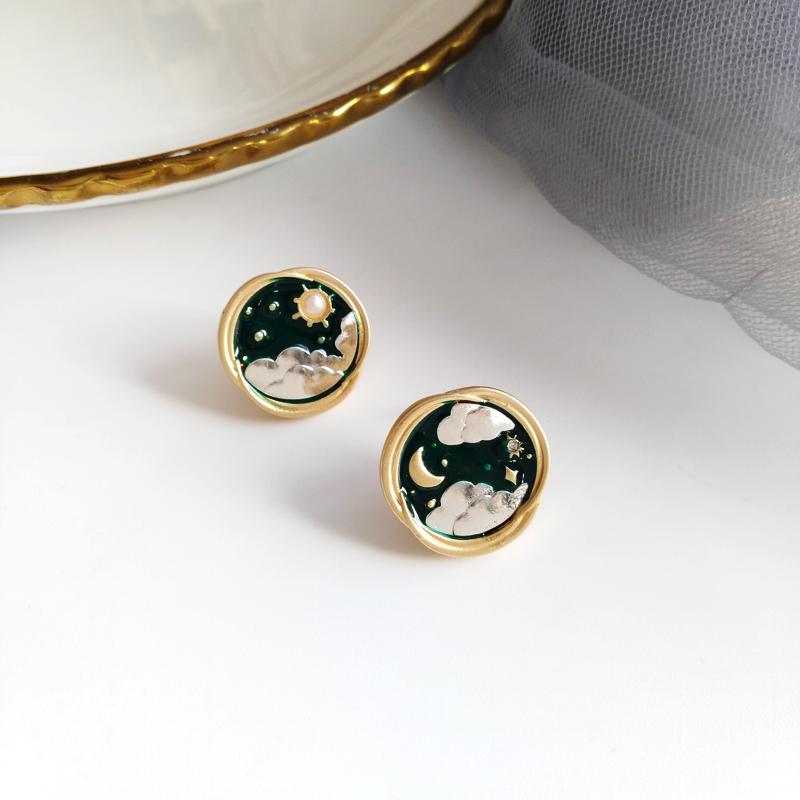 Creative Asymmetrical Star and Moon Stud Earrings for Girls and Student660