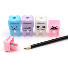 1pc Cute Tooth Shape Manual Sharpener as Gift for Dental Clinic